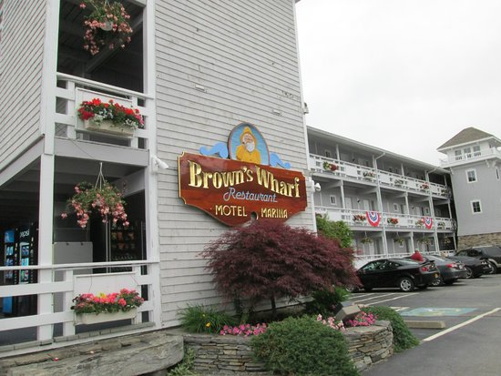 Brown's Wharf Inn : Entrance
