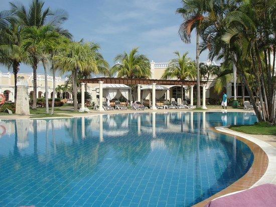 Paradisus Princesa del Mar Resort & Spa: Pool Area