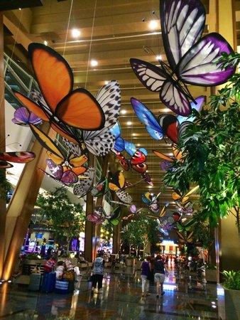 ARIA Sky Suites : main hotel lobby