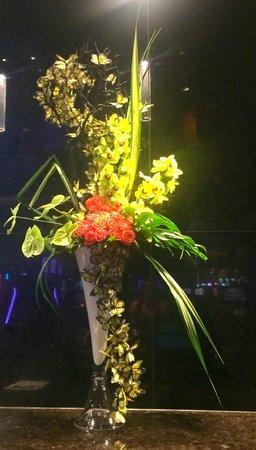 ARIA Sky Suites: flower arraignment Mlife desk