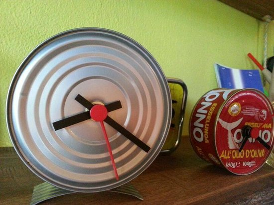 Como en mi Casa Art Cafe: watches with tin reciclate <3