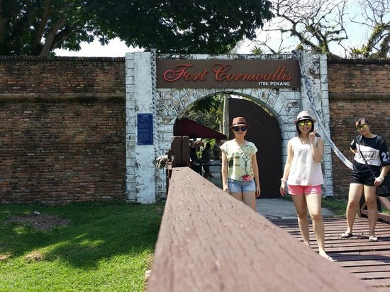 Hotel Jen Penang by Shangri-La: Fort Cornwallis-Historical place but not been taken care of