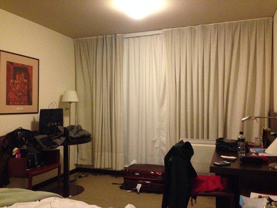 Intercity Montevideo: Bagunça generalizada!!! Ainda bem que os apartamentos são super espaçosos!!!