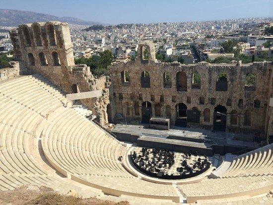 Acropolis: Teatro