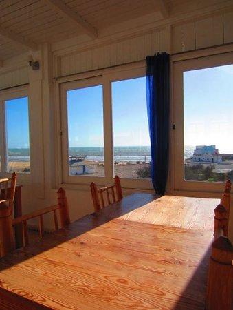 Hotel Blue Kaouki : Terrasse panoramique: salle à manger intérieure