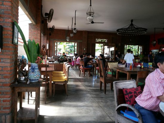 Warung Wahaha: Indoor