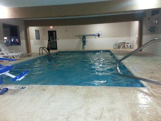 Travelodge Suites Savannah Pooler : Pool