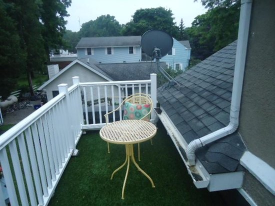 The Anchor Inn Boutique Hotel: The balcony of room No.3