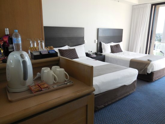 Crowne Plaza Surfers Paradise: Double bed room