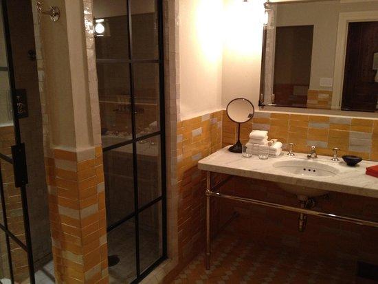 Greenwich Hotel: Bathroom