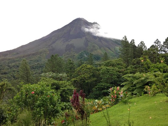 Arenal Observatory Lodge & Spa: The only lodge within the park & the closest to the volcano