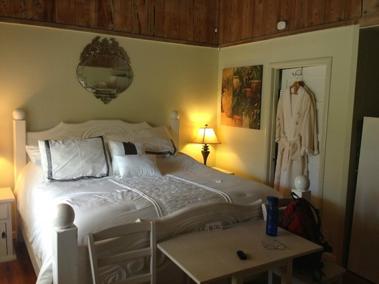 Rock Creek Inn: Lovely room!