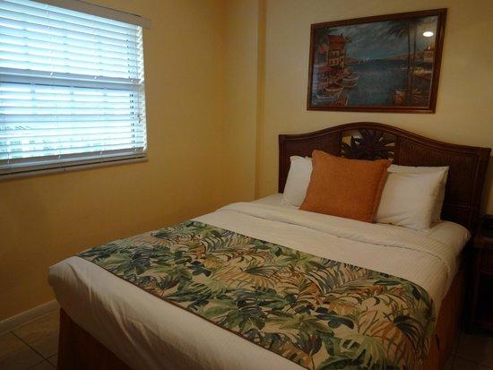 Ocean Pointe Suites at Key Largo: Roomy 2nd bedroom