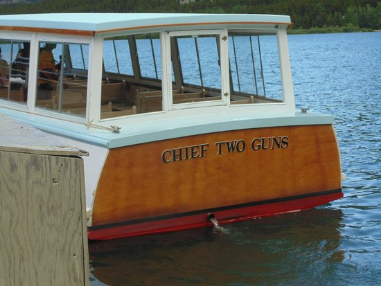 Many Glacier Lodge : The boat ride on Chief Two Guns