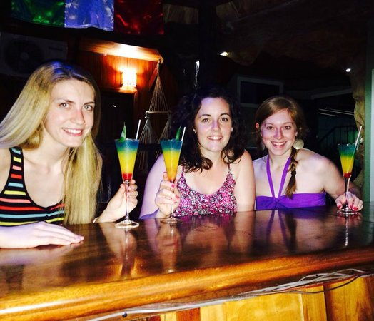 Arenal Hostel Resort: Enjoying our free welcome drink!