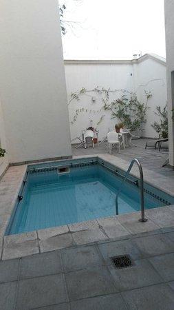 Condor Suites Apart Hotel: Pileta