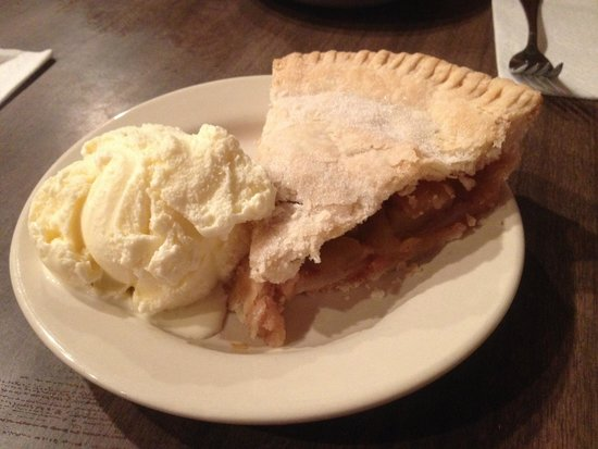 Nunan's Lobster Hut: Apple Pie!