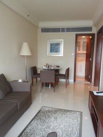 Harbour Plaza Metropolis: the lounge room in room 1025