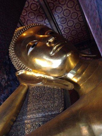 Temple du Bouddha Couché (Wat Pho) : 大きい!!