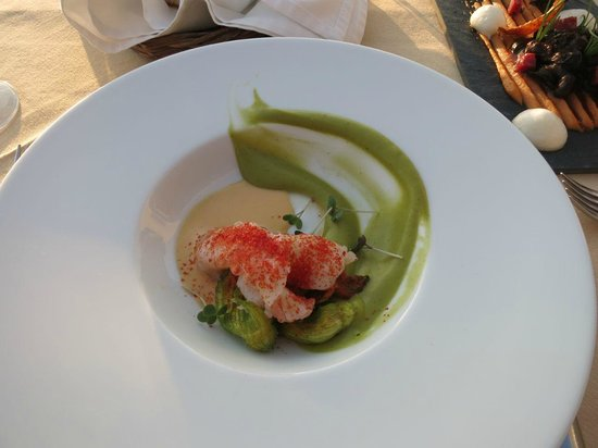 Selene : Langoustine, Zucchini, Lemon Sea Urchin Vinegraitte with Zucchini Flowers
