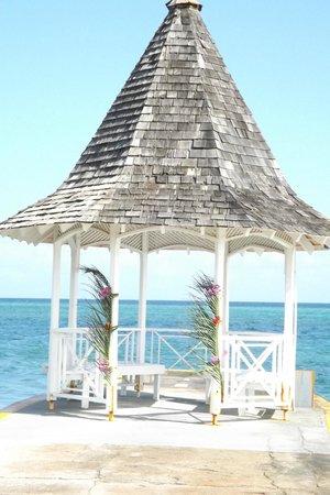 Sandals Montego Bay: Gazebo!