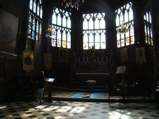 Église Sainte-Catherine : altar