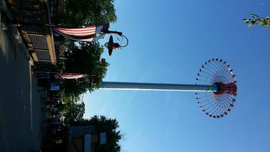 Worlds Of Fun Oceans of Fun: new swing ride  - Worlds of Fun - KC MO