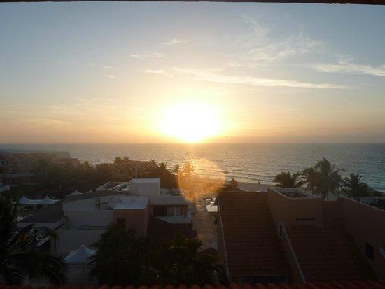 Omni Cancun Resort & Villas: Sunrise