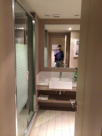 Atton Vitacura: Baño