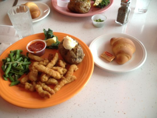 Highway 101 Diner: Clam strip dinner
