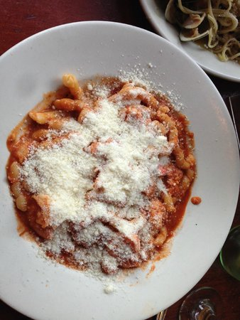Giacomo's Restaurant: Signature pasta dish with parmesan cheese