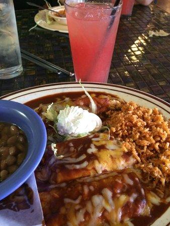 Calvillo's Mexican Restaurant: Grande Combination Plate