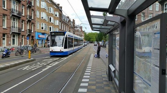 Hotel Golden Tulip Amsterdam West: Tram nearby hotel