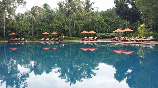 Santiburi Beach Resort & Spa: Huge relaxing pool