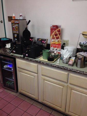 Quality Inn Hollywood: El desayuno