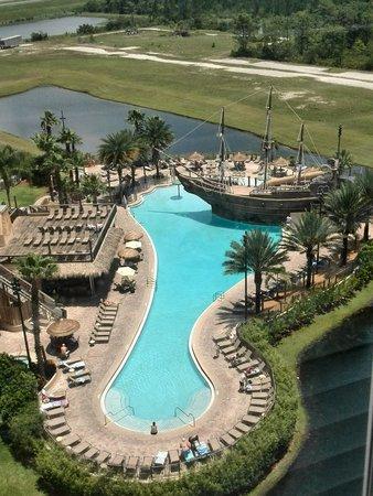Lake Buena Vista Resort Village & Spa: piscina desde el piso 10, edificio 3.