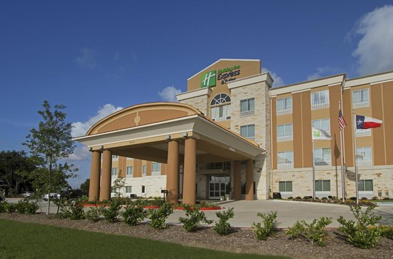 Holiday Inn Express Suites Baytown: Hotel Exterior