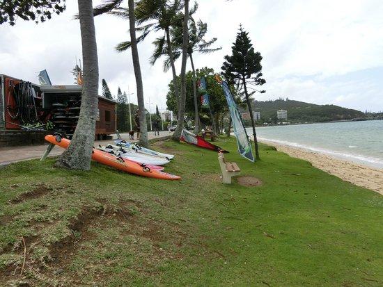 Anse Vata Beach: ビーチとサーフボード