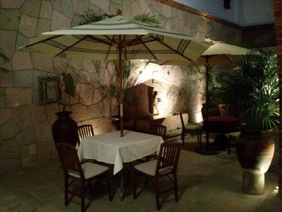 Hotel Meson de los Remedios: Vista de noche.