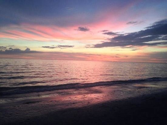 Saint Pete Beach: Beautiful sunset at St. Pete's Beach