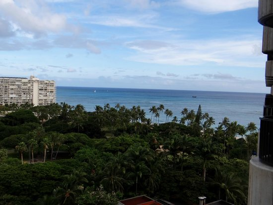 Hale Koa Hotel : View from our room