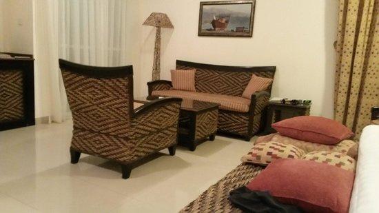 Al Nahda Resort & Spa : Middle priced King Suite
