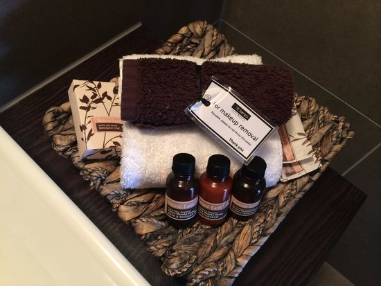The St James: Bathroom amenities - replaced daily