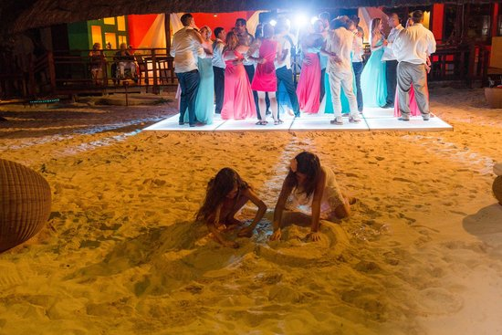Grand Sunset Princess All Suites Resort : Dean Sanderson Photography- Light up dance floor on the beach