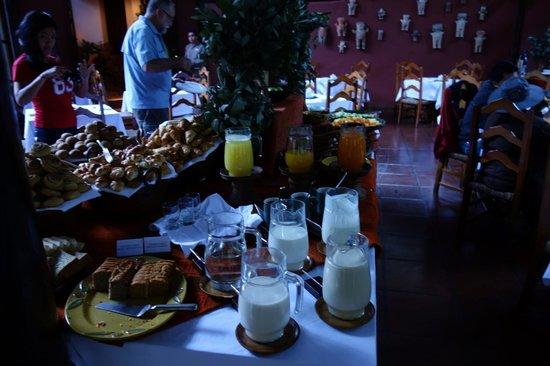 Inkaterra Machu Picchu Pueblo Hotel: breakfast spread