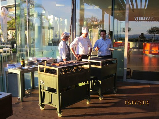 Radisson Blu Resort Split: Seafood BBQ