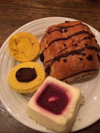 Le Village Buffet: Hard chocolate in my nasty macaron