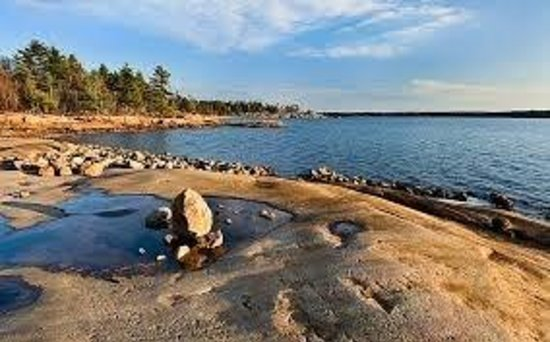 Killbear Park: Rocky beach