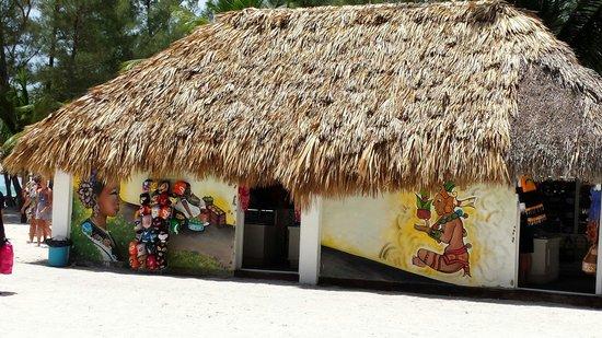 Isla Pasión: Shopping on the island