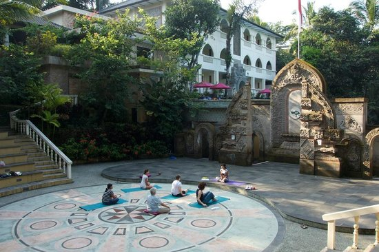 Ayung Resort Ubud: Outdoor yoga class